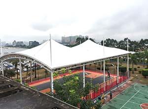 篮球场摩臣5顶棚/罩棚/雨棚的优势有哪些?(图文)