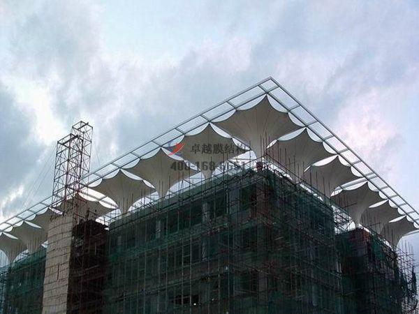娄底摩臣5顶棚ETFE透光膜商业街案例