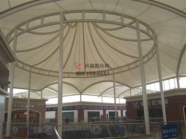 襄阳摩臣5顶棚ETFE透光膜商业街案例