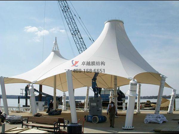 黄冈商城摩臣5遮阳棚商业街/ETFE透光膜设计案例