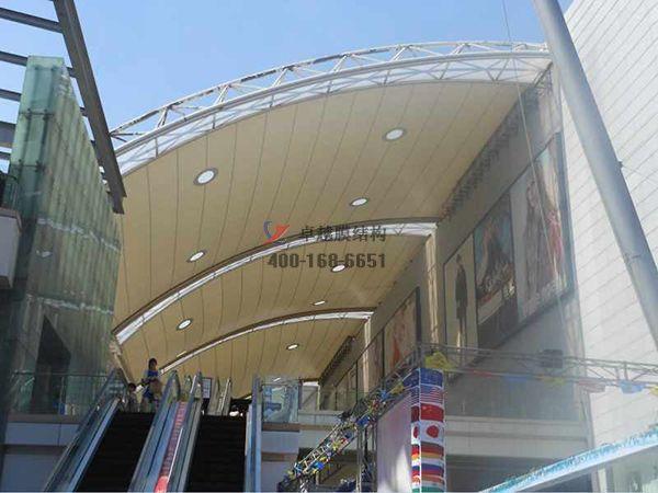 荆州摩臣5顶棚ETFE透光膜商业街案例